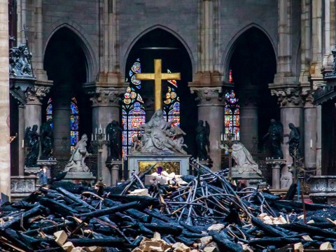 Notre Dame fund reaches €1,000,000,000 in two days