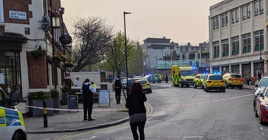 Stoke Newington stabbing: Man, 30s, knifed to death in broad daylight Picture: @domsutton METROGRAB