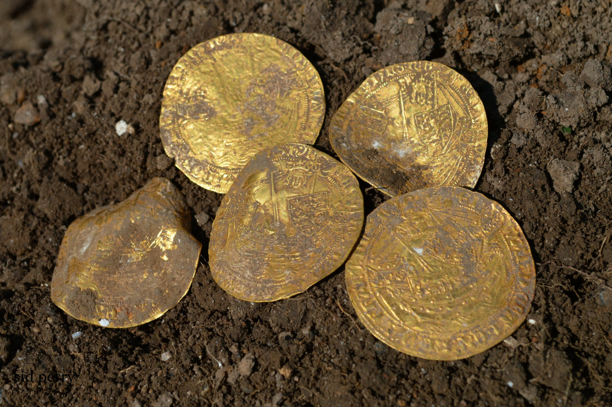 550 rare gold and silver 14th century