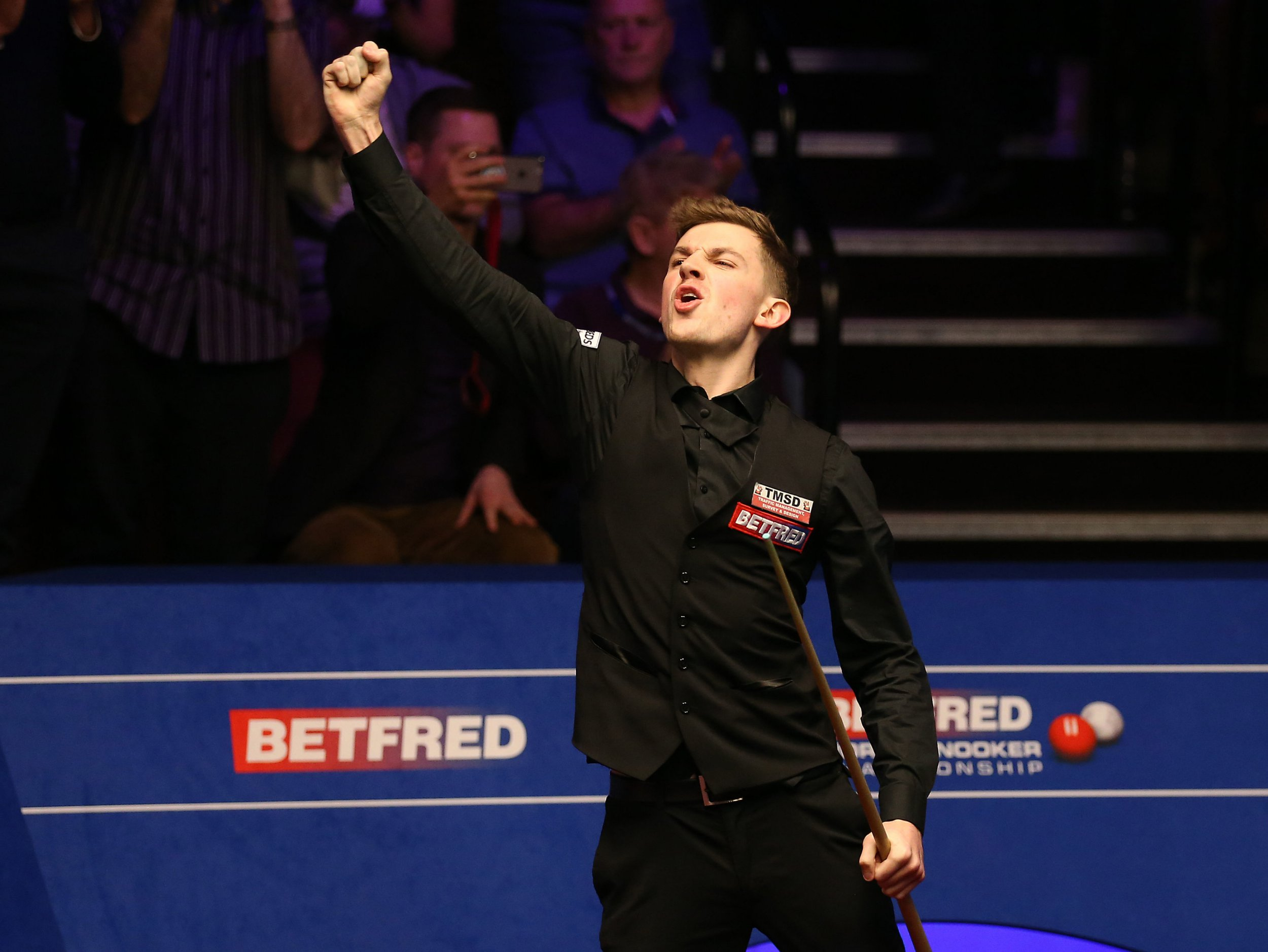 Who is snooker player James Cahill and what is his world ranking?