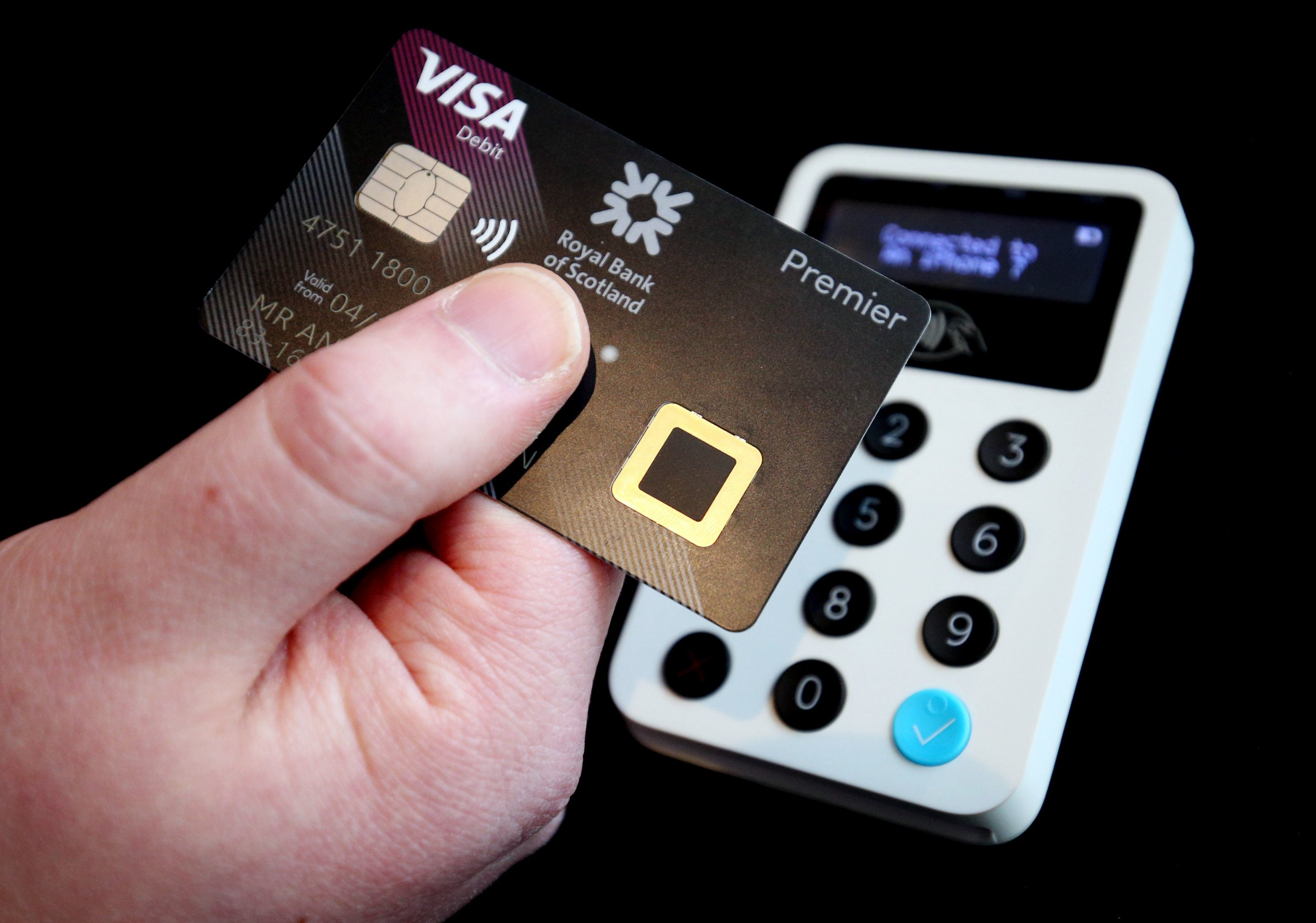No more PIN payments as fingerprint-scanning bank cards launch in the UK