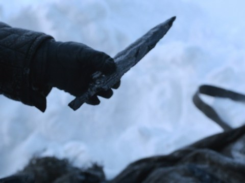 What is dragonglass and why can it kill White Walkers?
