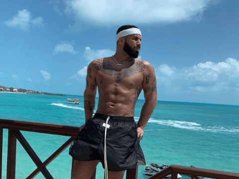 Drake hits back at six-pack plastic surgery claim and we don't know what to think anymore