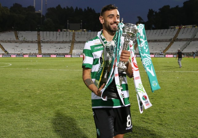 OEIRAS, PORTUGAL - MAY 25: Bruno Fernandes of Sporting CP celebrates with trophy after winning the Taca de Portugal Final at the end of the Taca de Portugal Final match between Sporting CP and FC Porto at Estadio Nacional on May 25, 2019 in Oeiras, Portugal. (Photo by Gualter Fatia/Getty Images)