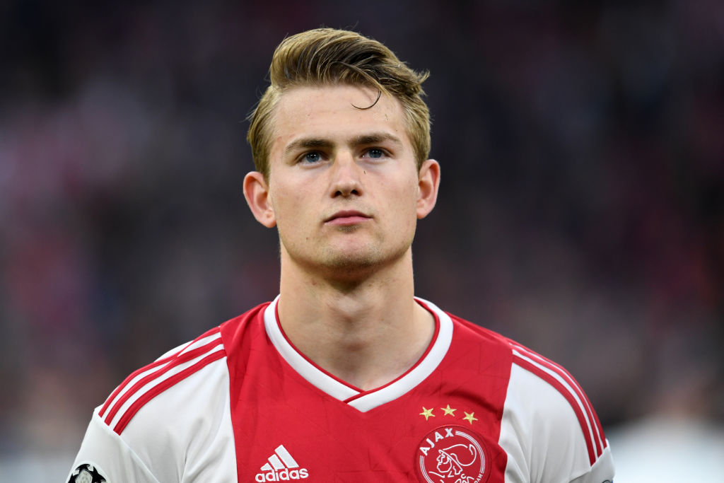 Manchester United 'very close' to signing Matthijs de Ligt ahead of Barcelona after huge offer