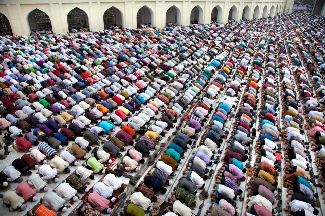 People praying during Ramadan