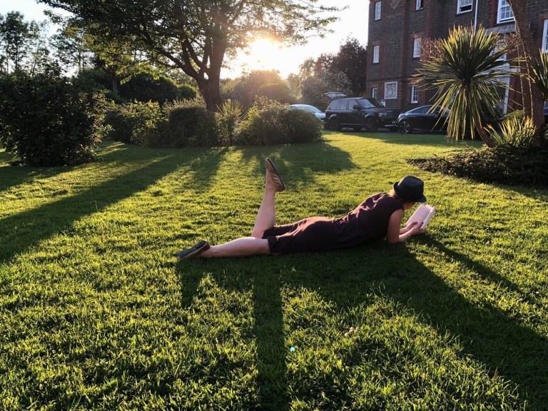 Dating blogger Lucy Goes Dating lying in the sun