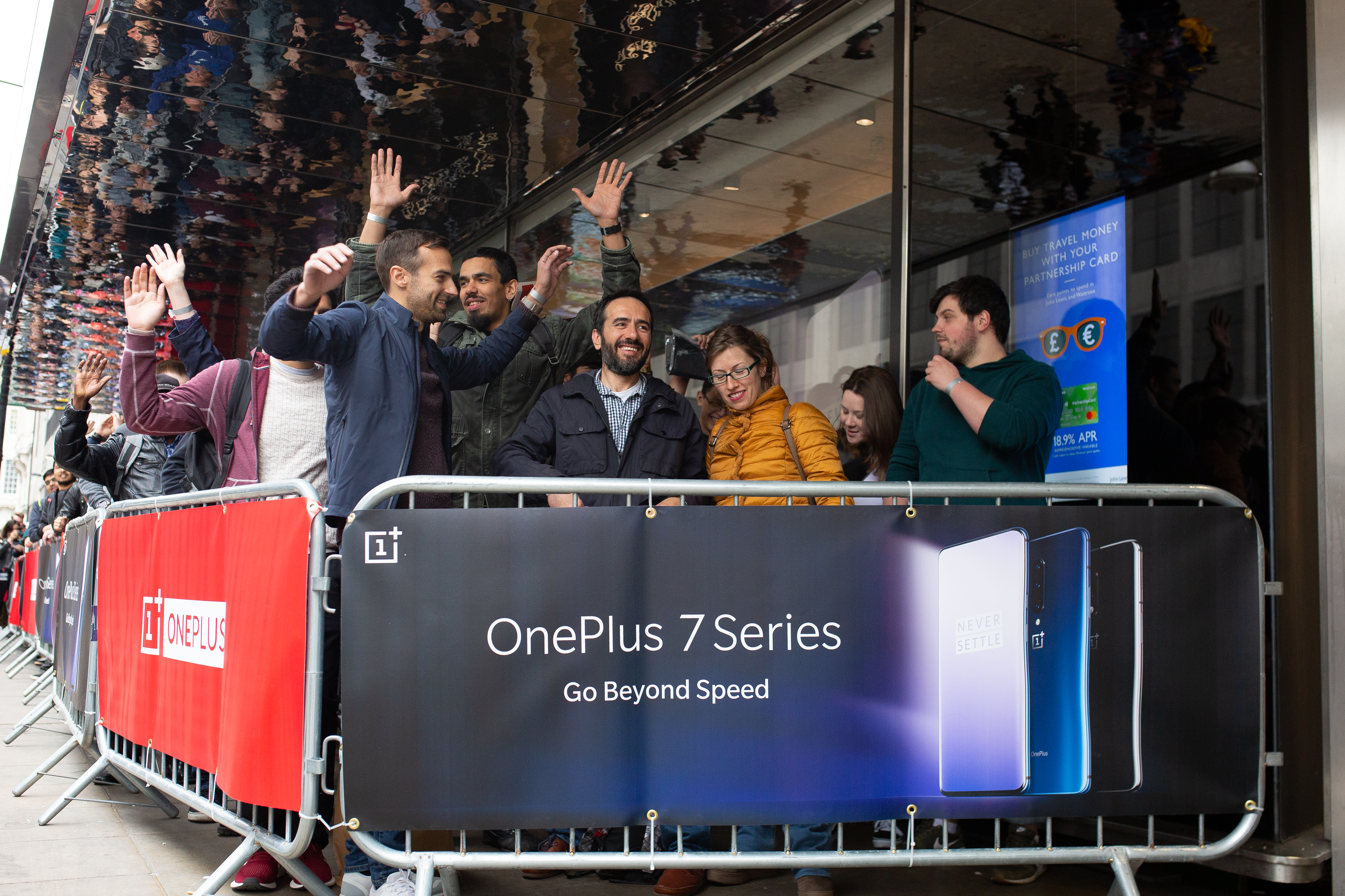 Gadget fans queue around the block for a phone that's not an iPhone
