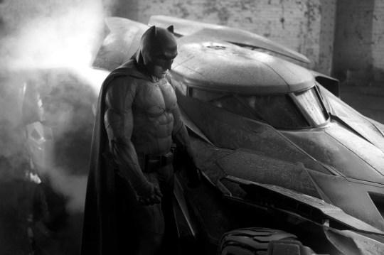 Ben Affleck in Batman V Superman - Dawn Of Justice - 2016 Director: Zack Snyder Warner Bros/DC Comics USA Film Portrait Action/Adventure Batman v Superman : L?Aube de la Justice