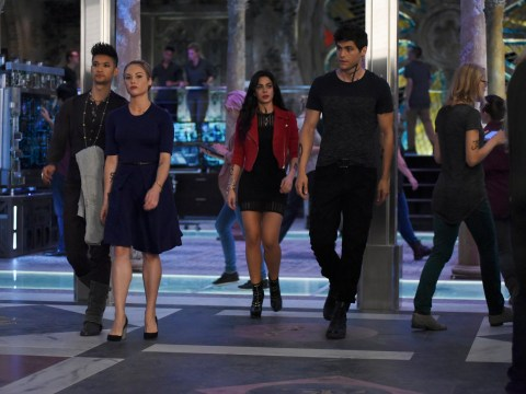 Why was Shadowhunters cancelled as the final episode airs in the US?