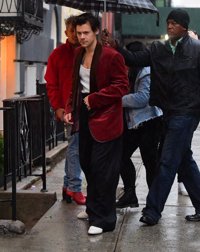 Harry Styles Wears Red Velvet Blazer as he Arrives to Pre Met Gala Dinner Party in NYC Pictured: Harry Styles Ref: SPL5086369 050519 NON-EXCLUSIVE Picture by: DIGGZY / SplashNews.com Splash News and Pictures Los Angeles: 310-821-2666 New York: 212-619-2666 London: 0207 644 7656 Milan: 02 4399 8577 photodesk@splashnews.com World Rights, No Portugal Rights