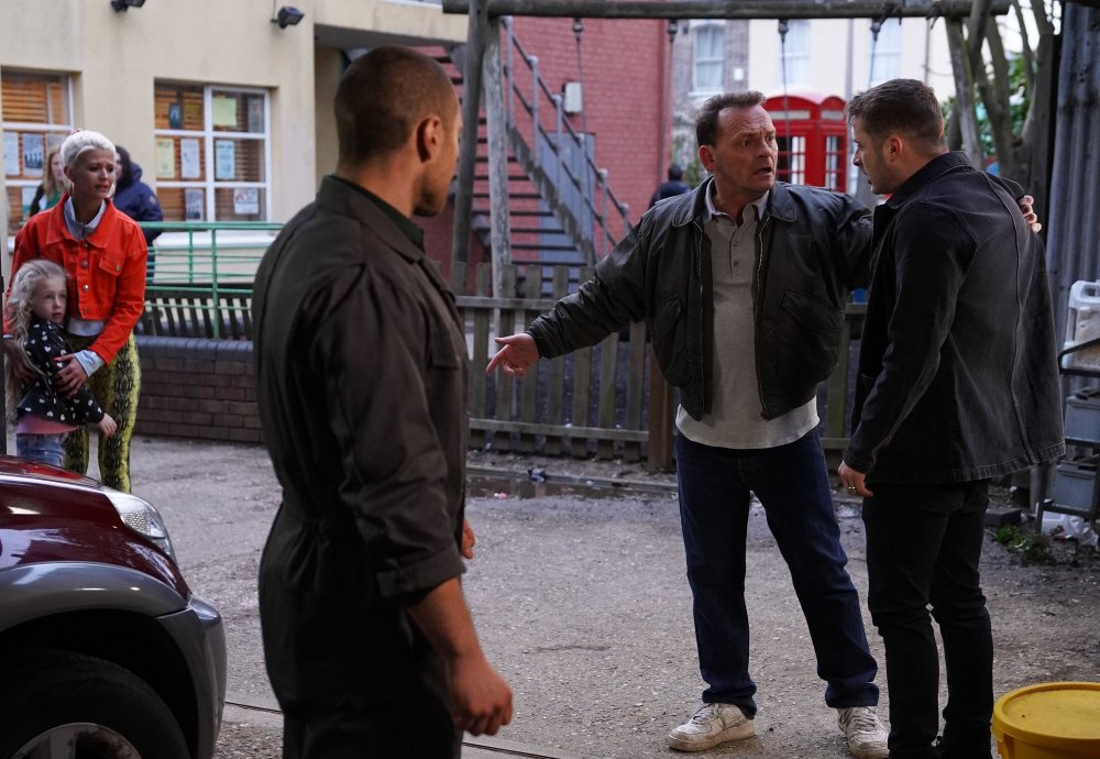Billy (Perry Fenwick) gets involved when a fight breaks out between Keany Taylor (Danny Walters) and Ben Mitchell (Max Bowden)