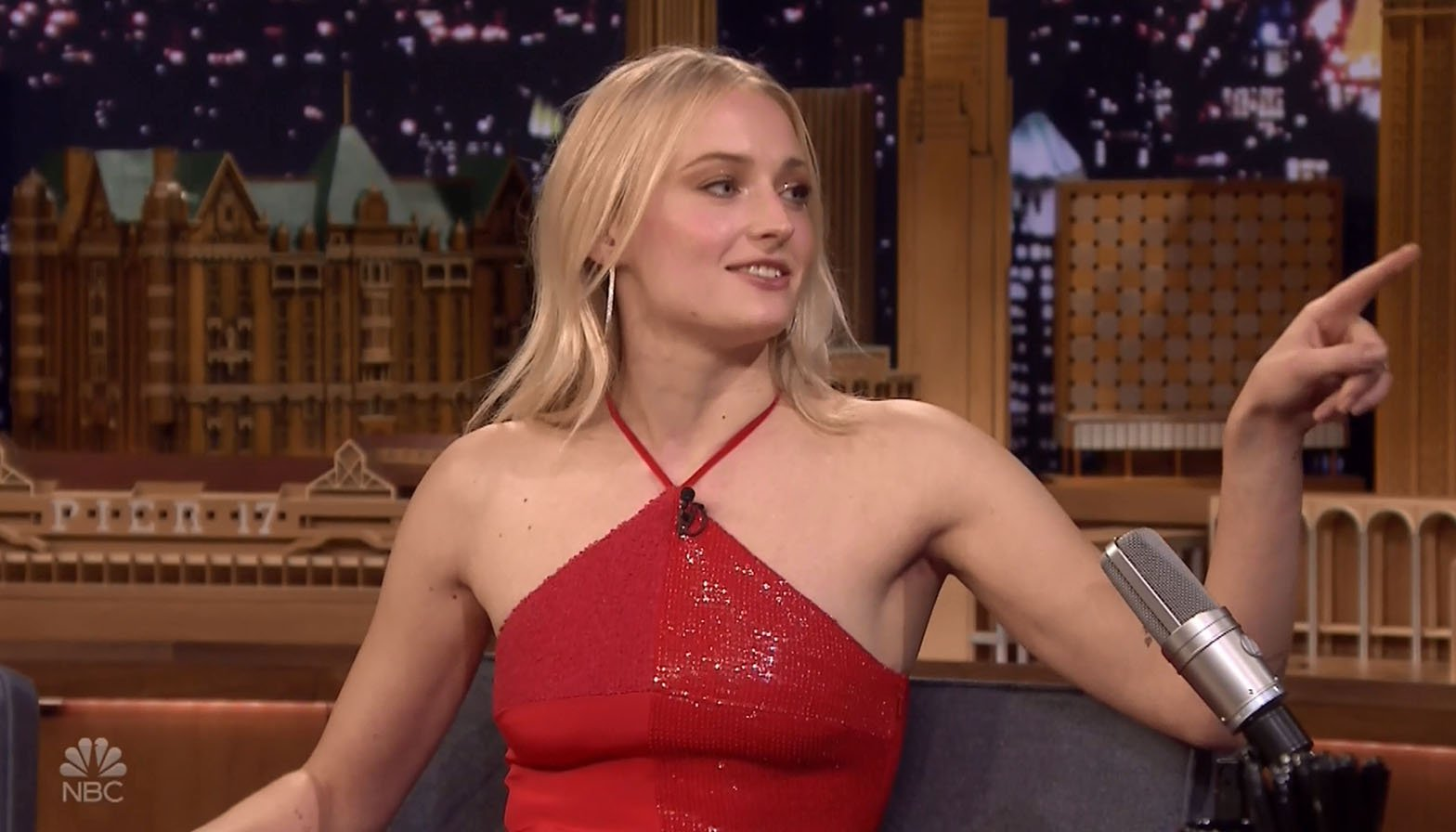 Game of Thrones' Sophie Turner panics after accidentally live streaming her 'weed vape'