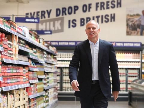 Tesco boss picks up £4,600,000 pay packet, months after 9,000 jobs put at risk
