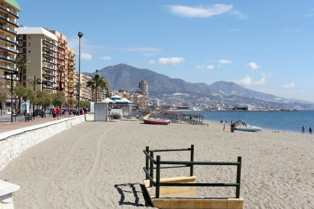 A 51-year-old British tourist has died this afternoon (17/05/2019) after being recovered from the sea in the town of Fuengirola.