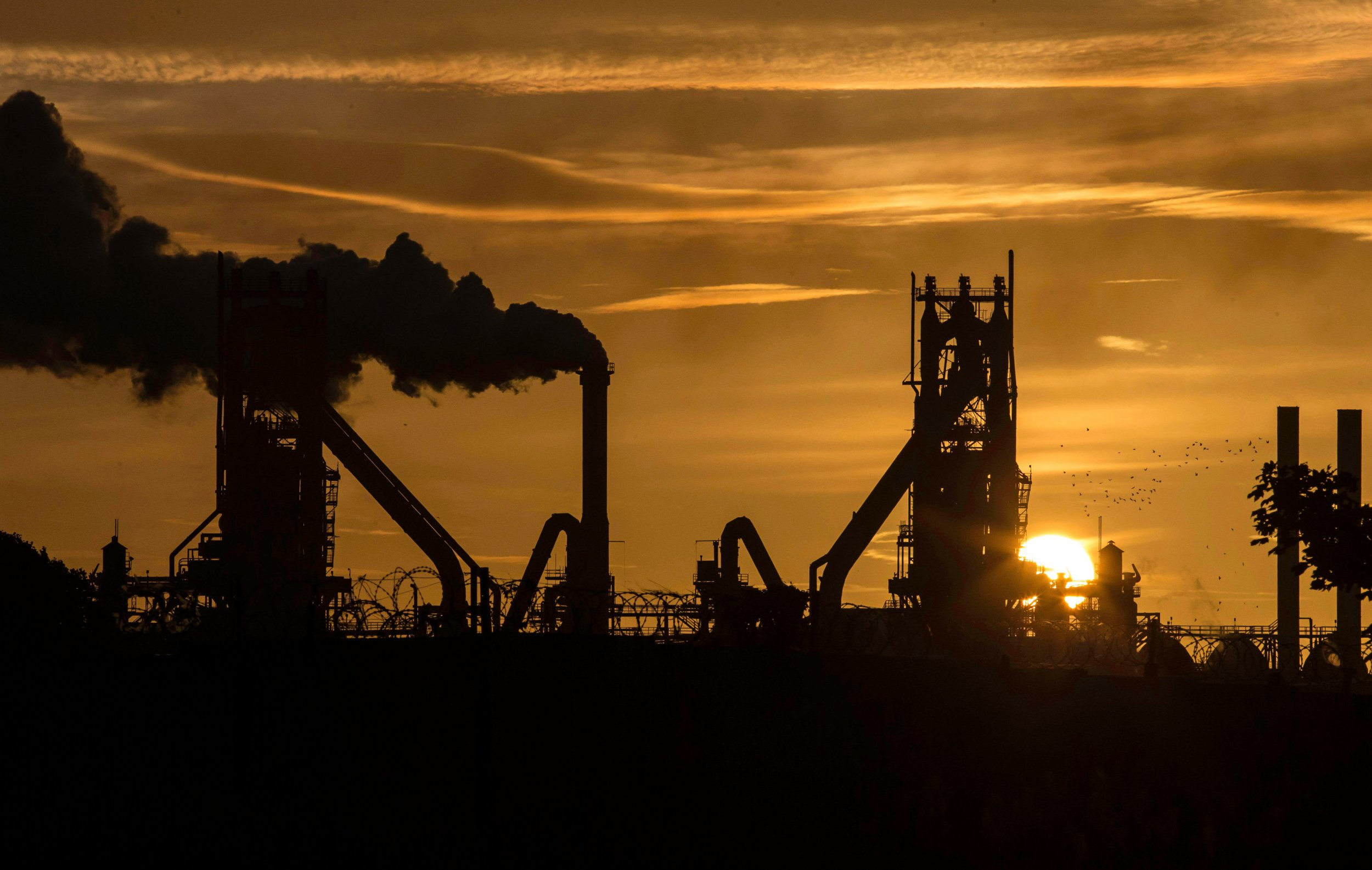 British Steel collapses putting 25,000 jobs at risk