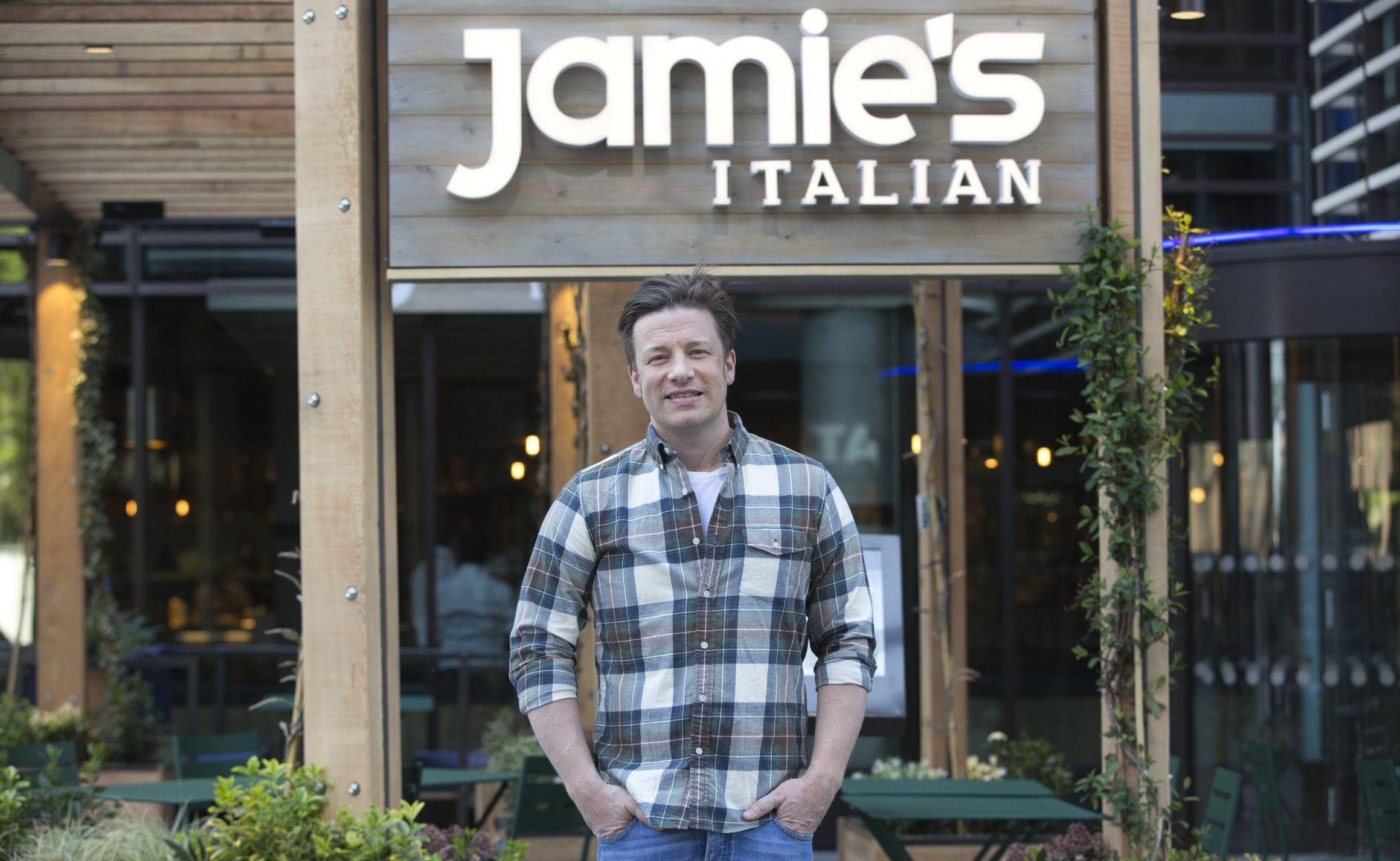 Jamie Oliver's full email to staff losing their jobs revealed as restaurant empire goes into administration
