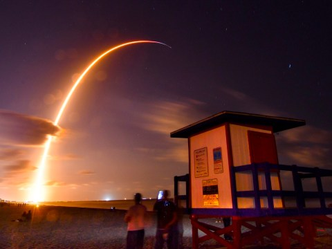 Dramatic pictures show SpaceX blasting 60 satellites into orbit