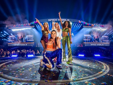 Spice Girls make fun of tour sound issues