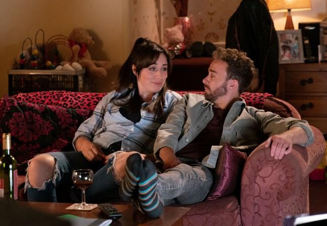 David reassures Shona in Coronation Street