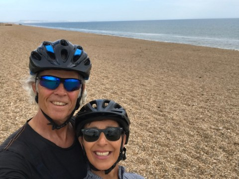Couple in their 60s cycle the length of the country to campaign against single-use plastic