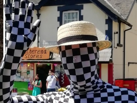 Mystery mime artist turned up at village fete then 'fleeced' people out of cash