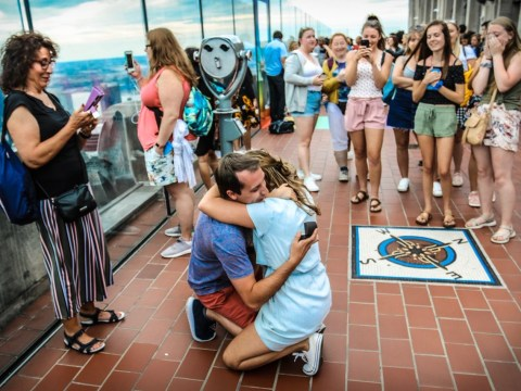 Woman uses Twitter to track down photographer who captured her proposal