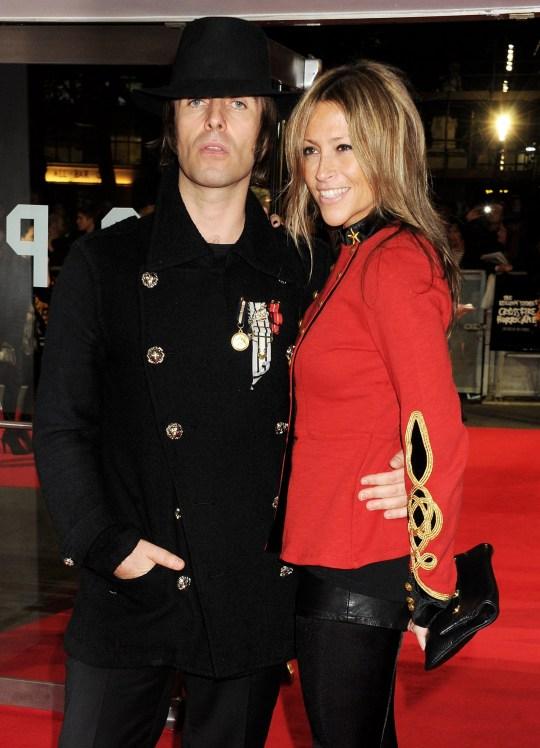 Liam Gallagher y Nicole Appleton asisten al estreno de gala de 'Crossfire Hurricane' durante la 56a edición del BFI London Film Festival