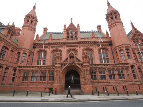 Traveller fined £1,000 for breaching self-isolation rules by visiting sister
