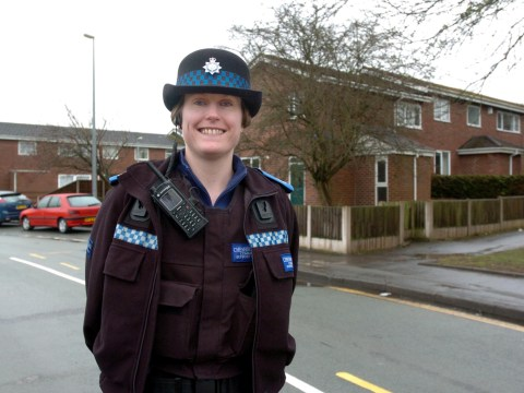 Police officer sacked over messages to suicidal teen she talked down from bridge
