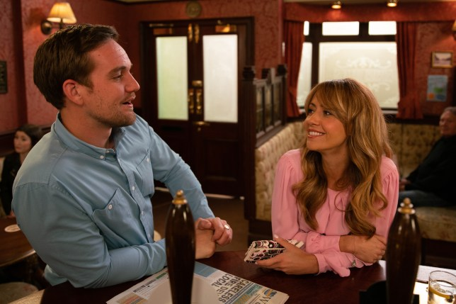 Maria and Ali get close in Coronation Street
