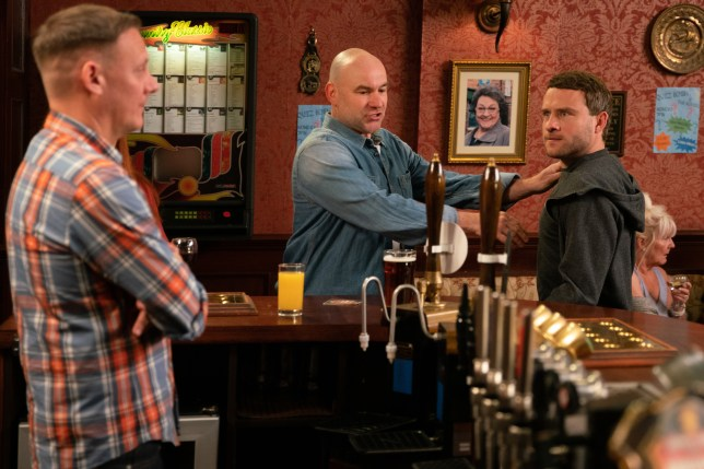 Sean and Paul fight in Coronation Street