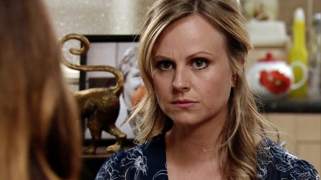 Sarah struggles in Coronation Street