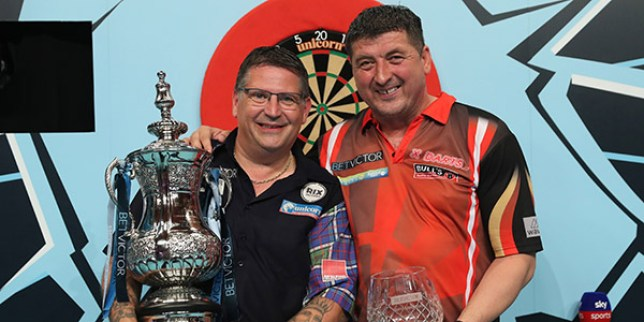 Gary Anderson beat Mensur Suljovic in the 2018 Matchplay final