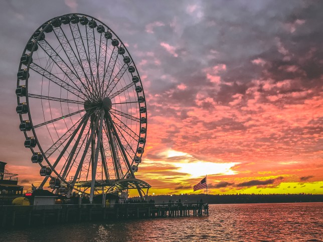 The Great Wheel in Seattle at sunset