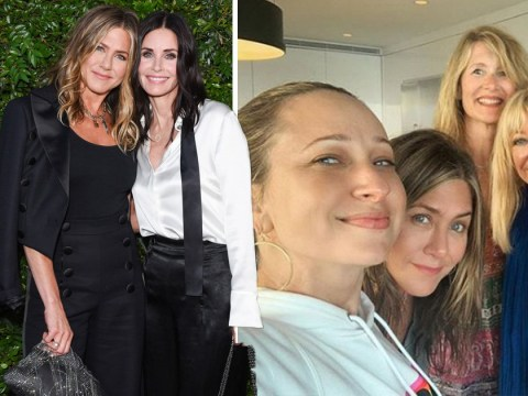 Courteney Cox and Jennifer Aniston have a mini Friends reunion to celebrate 4th July