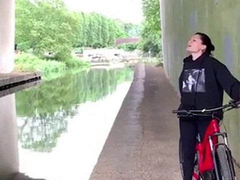 Jessie J proves how extra she is by singing Amazing Grace under a bridge