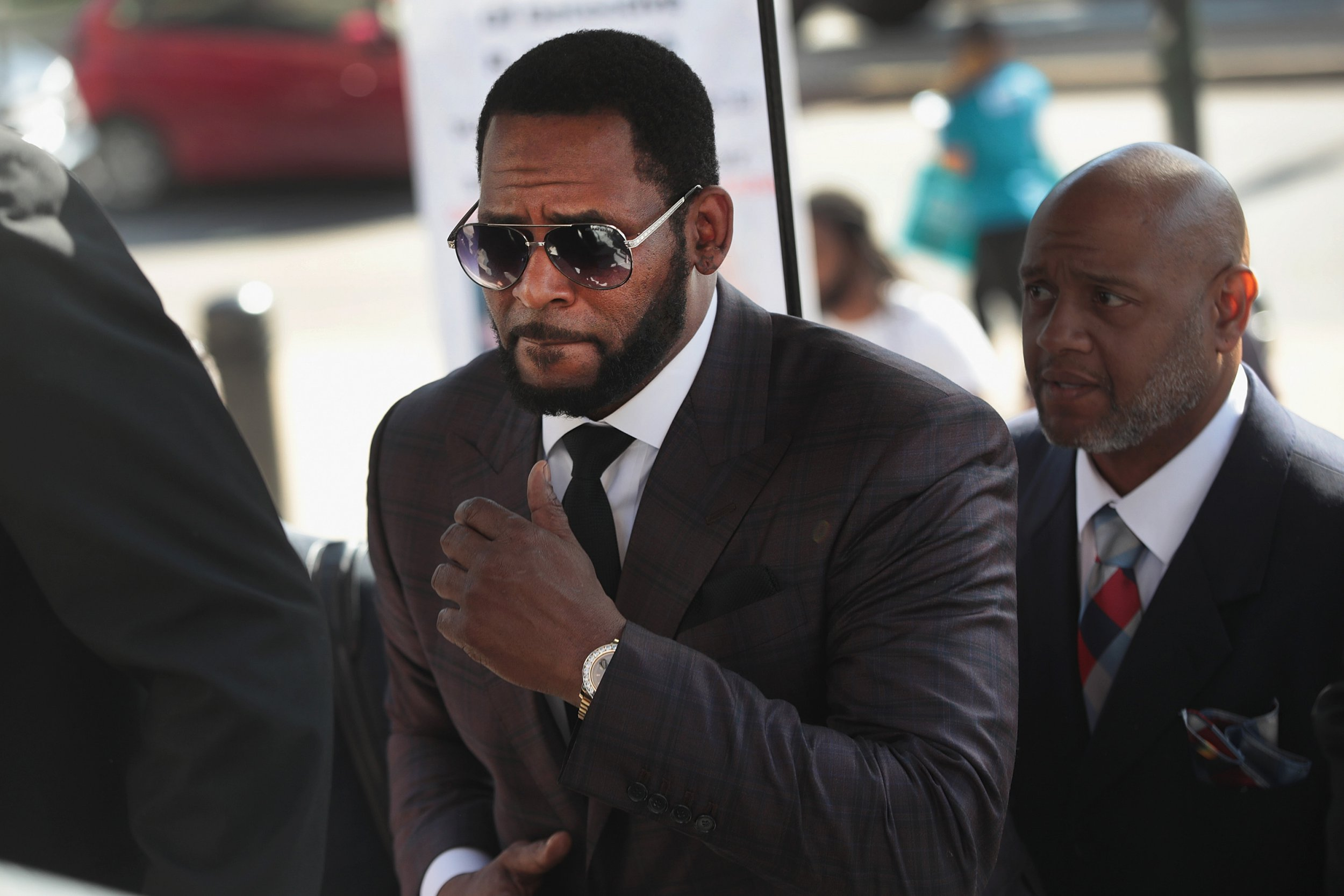 R Kelly arrives during a Leighton Criminal Courts Building
