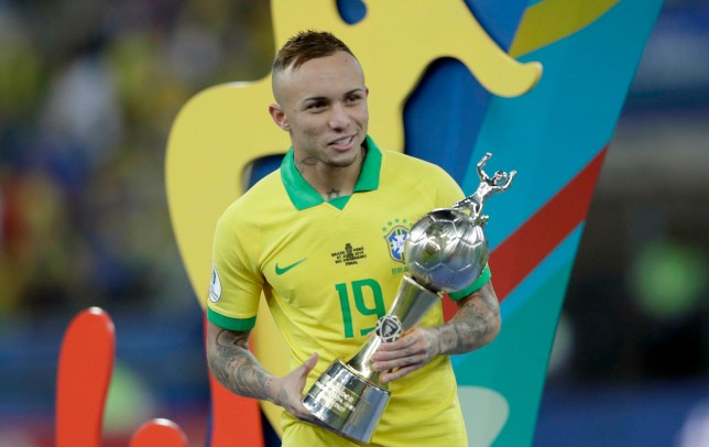 Arsenal news: Club medic sent to check out Everton Soares
