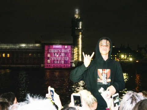 Yungblud gets political as he puts on boat party for fans and projects message onto Parliament