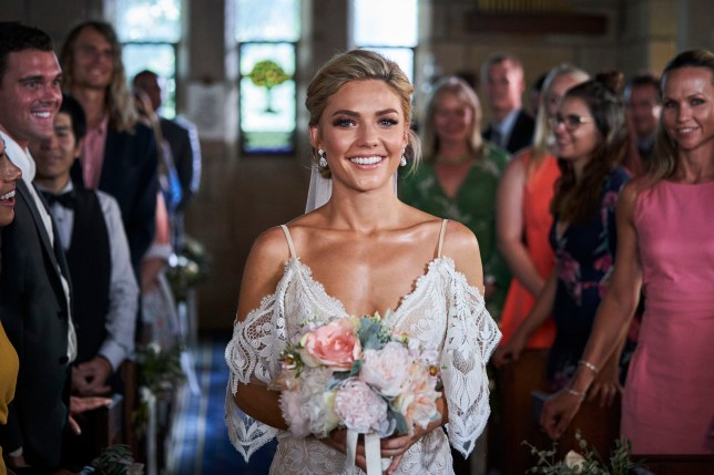 Jasmine marries Robbo