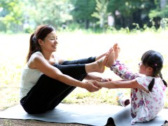 This family-friendly yoga workout is a great way to get your kids active