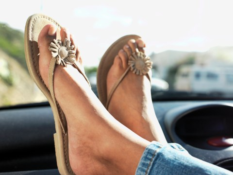 Is it legal to drive in flip flops?
