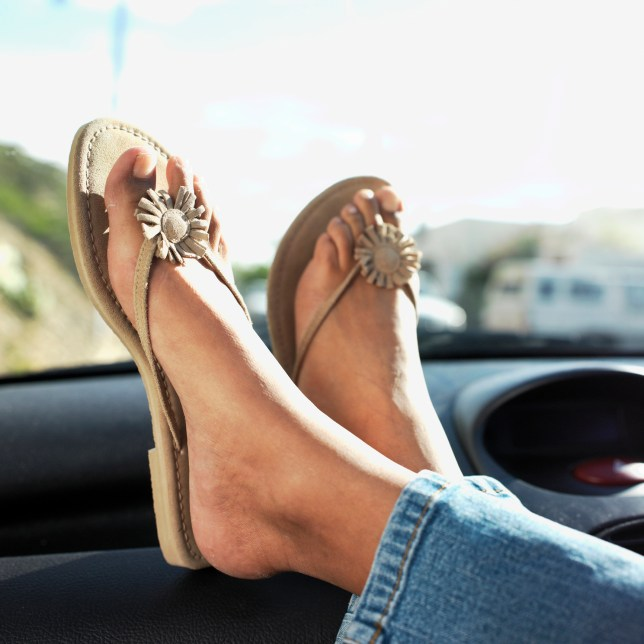 Is it legal to drive in flip flops?
