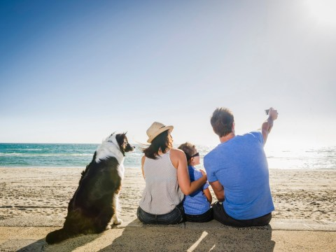 Here's why you should take selfies with your kids as soon as you get to the beach