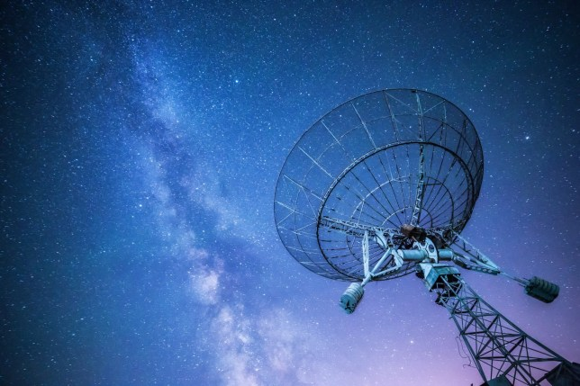Radio telescope (Picture: Zhou Haodong/Getty)