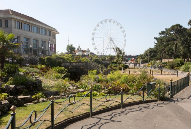 Pavilion and Big Wheel Ferris wheel from Lower Gardens, Bourne Valley Greenway, Bournemouth, Dorset, England, UK. (Photo by: Geography Photos/Universal Images Group via Getty Images)