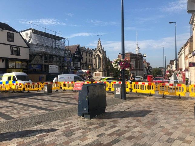 Praetorian Rebel #SupportProrogation @Nick_de_W This is central Maidstone right now. The police have cordoned off the High St from Week St to Royal Star Arcade. A forensic team has gone into one of the buildings