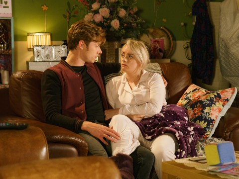 What type of cancer does Sinead have in Coronation Street and when does she die?