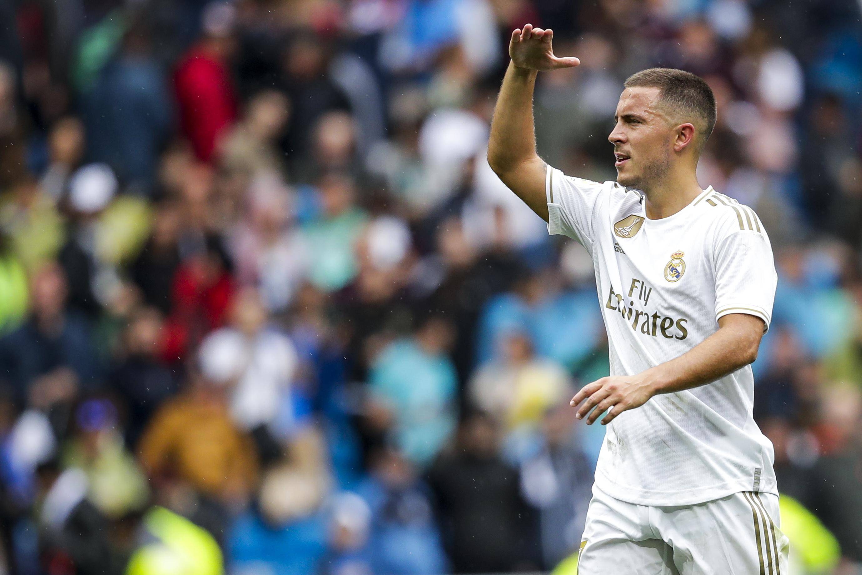 Hazard bất ngờ chê bai CĐV Chelsea